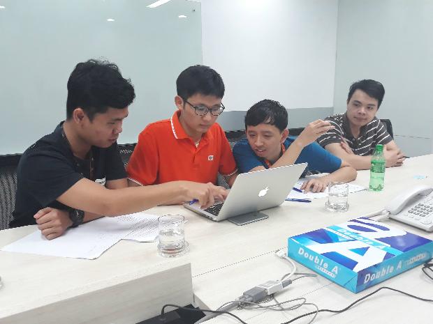 Người duy nhất được code trong đội là thành viên Junior (LTV ở mức 1 hoặc 2, tương đương theo hệ thống xếp hạng công việc của FPT Software).