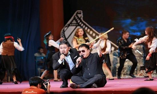 Đại lễ 13/9: Bản giao hưởng 30 năm FPT mang tên 'Sống'