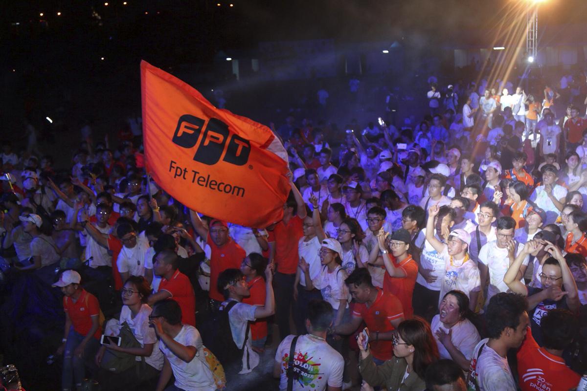 Đặc biệt, ca khúc Color Me do Thái Sơn sáng tác đã khiến Lễ hội âm nhạc FPT HCM thêm nhiều màu sắc. Chính anh đã trình bày ca khúc này và cùng hàng nghìn người FPT HCM hòa thanh trong đêm nhạc mừng sinh nhật 30 năm.