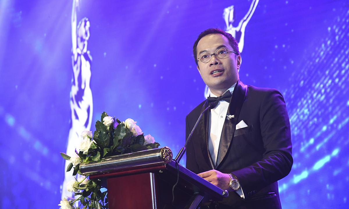 """Ông William Ng, Tổng Biên tập tạp chí Nhân sự châu Á (HR Asia Magazine), phát biểu: """"Đây là lần đầu tiên buổi vinh danh được tổ chức ở Việt Nam và chúng tôi nhận thấy nơi đây có rất nhiều công ty sở hữu tiềm lực nhân sự tốt với sức cạnh tranh mạnh mẽ. Thật vui khi được vinh danh 28 công ty được chọn là nơi làm việc tốt nhất Việt Nam""""."""