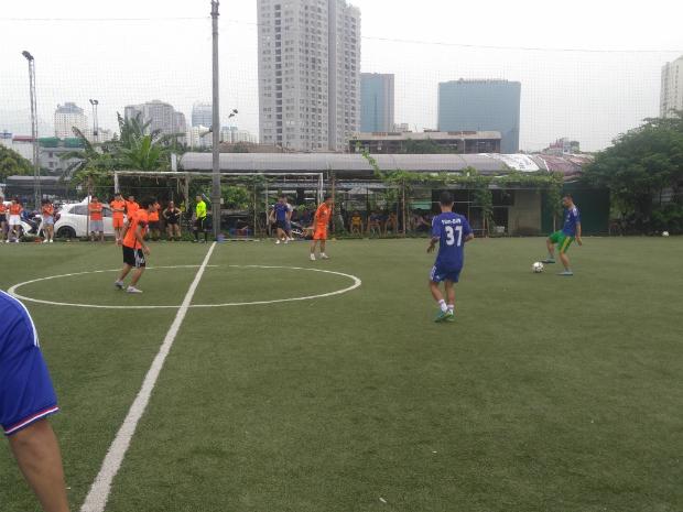 FSU1.BU9 (áo xanh) vẫn là ứng cử viên nặng ký nhất cho chức vô địch năm nay.