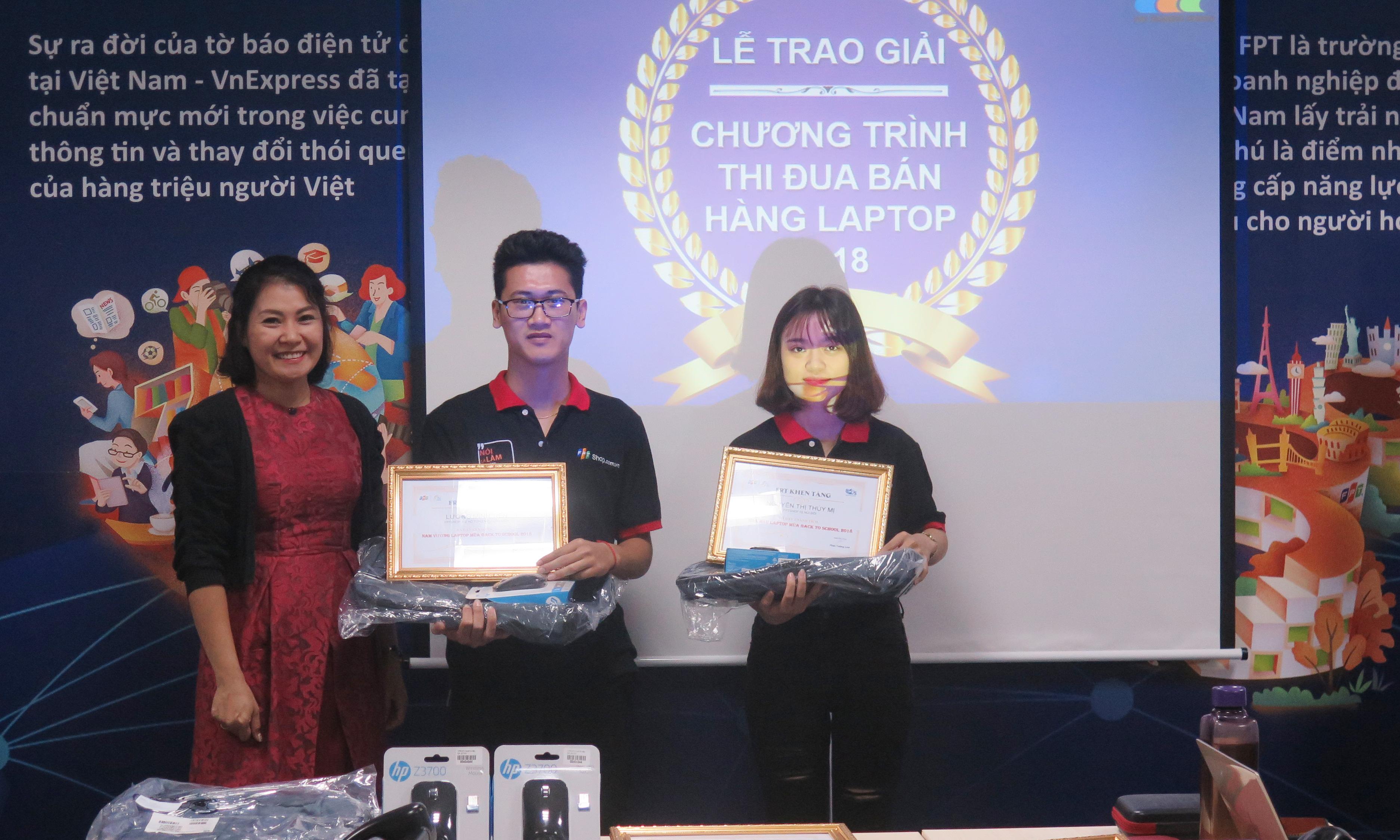 Giải Nam vương laptop được trao cho Lương Minh Tiến (FPT Shop 302 Hồ Tùng Mậu). Hoa hậu laptop gọi tên Nguyễn Thị Thúy Mị (FPT Shop Núi Đôi 2, Sóc Sơn).