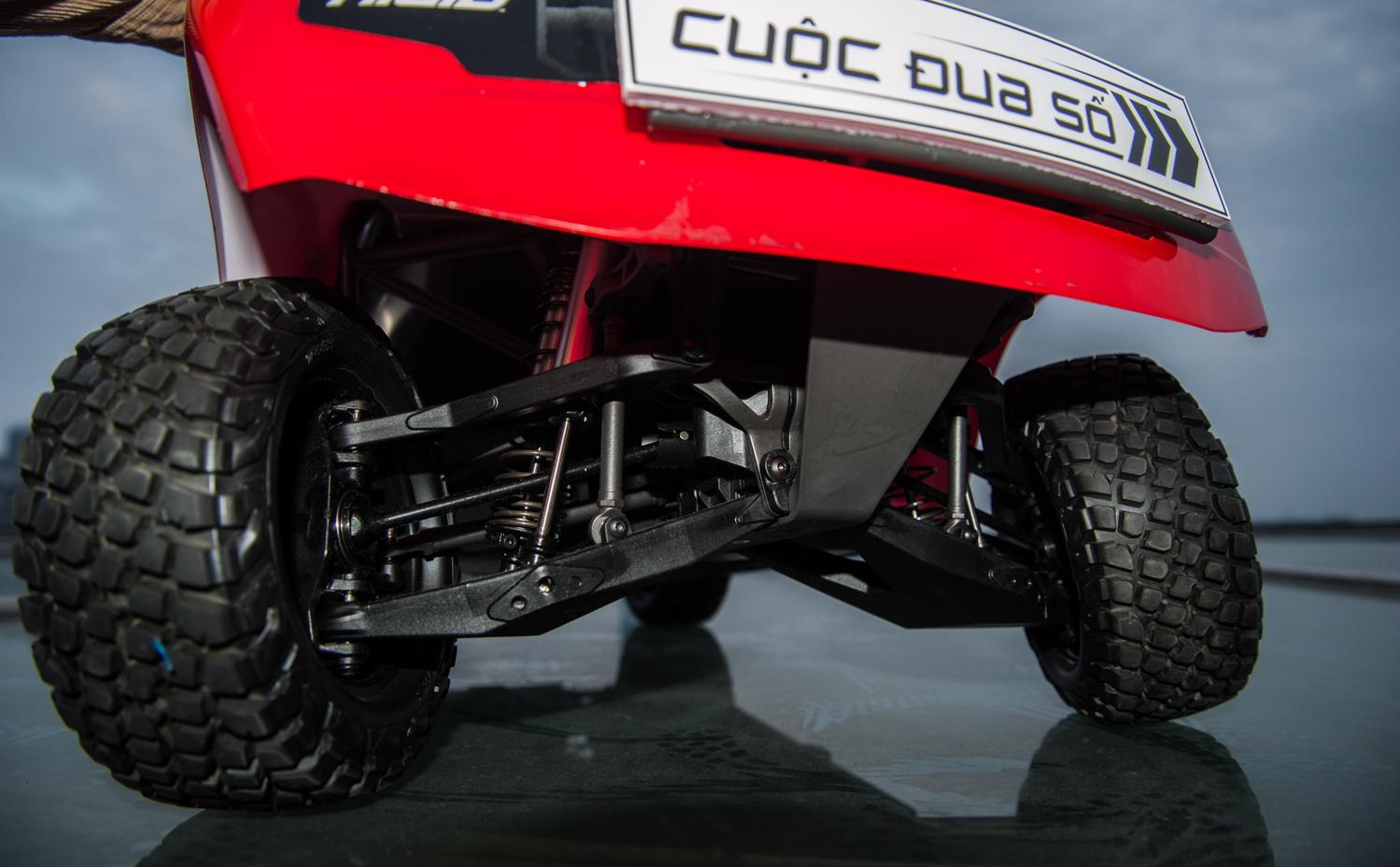 Chiếc xe đua mới cũng được tích hợp hệ thống phanh và giảm sóc tiêu chuẩn xe đua mô hình. Với những thay đổi này, các đội chơi mùa 3 sẽ phải giải thêm nhiều bài toán về kiểm soát tốc độ, chống rung camera so với năm trước. Điều này giúp cuộc thi sát với thực tế xe tự lái hơn.