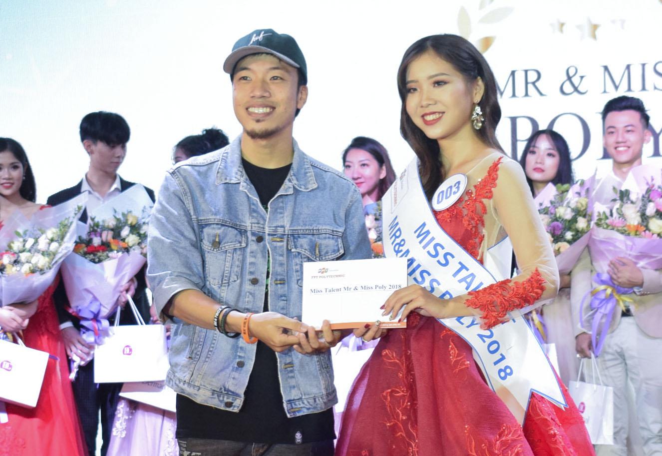 Chung cuộc, thí sinh mang SBD 003 - Nguyễn Diễm Quỳnh xuất sắc trở thành Miss Talent của Poly năm 2018. Cô nàng sở hữu nụ cười hiền với phần thi múa đương đại nhận được sự đánh giá rất cao từ hội đồng Ban giám khảo vòng thi Tài năng.