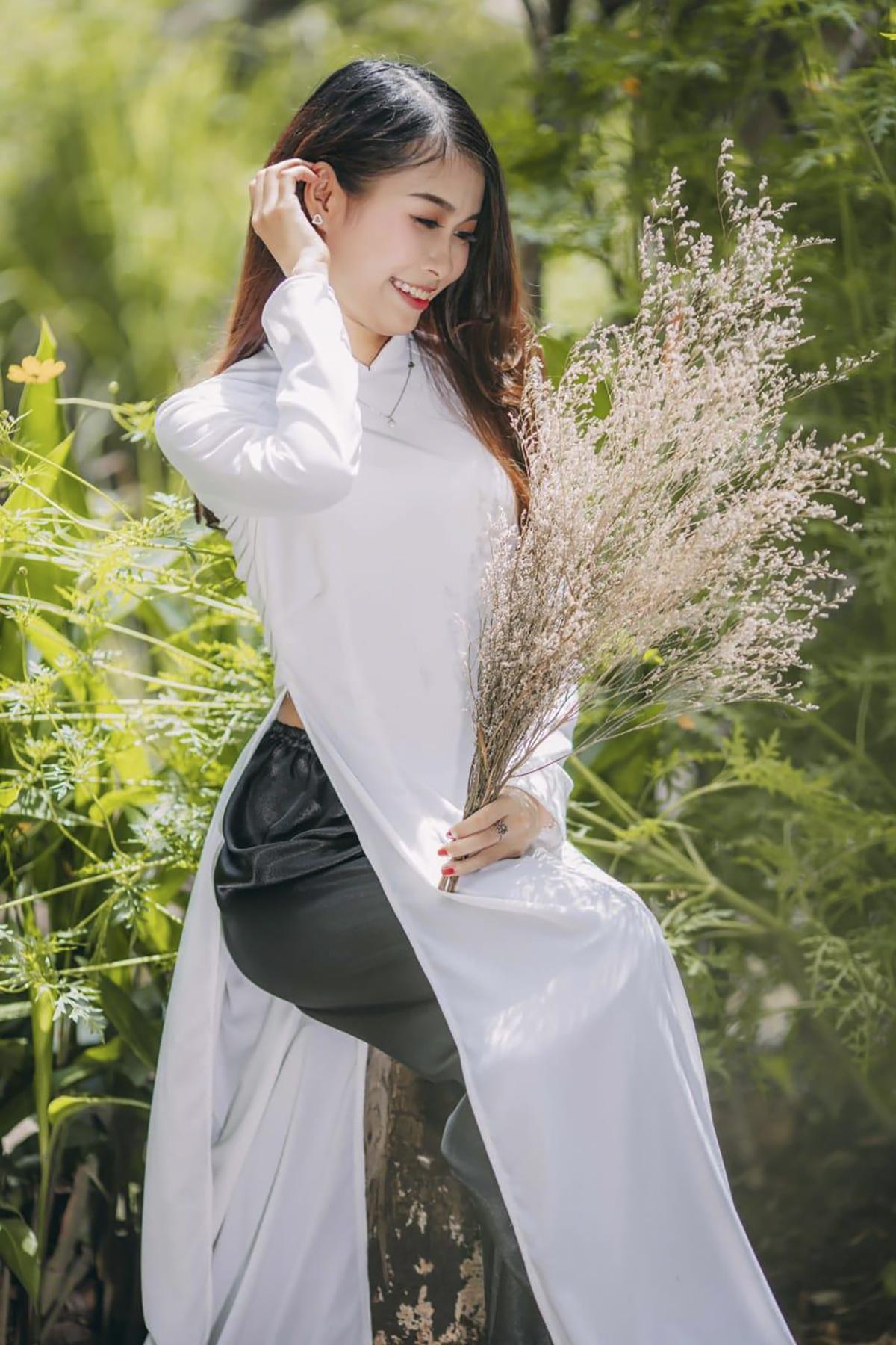 """Cuộc thi ảnh đẹp mang tên """"Nàng bông F-Town"""" do Ban Văn hóa - Đoàn thể FPT Software HCM tổ chức, nhằm truyền tải thông điệp: """"Đã sinh ra là phụ nữ, nhất định phải sống rực rỡ như những đóa hoa. Người khác có thể không nhận ra vẻ đẹp của bạn, nhưng bạn chắc chắn phải nhận ra vẻ đẹp của chính mình"""". Đây là hoạt động thường niên nhà Phần mềm phía Nam tổ chức chào mừng ngày Phụ nữ Việt Nam 20/10."""