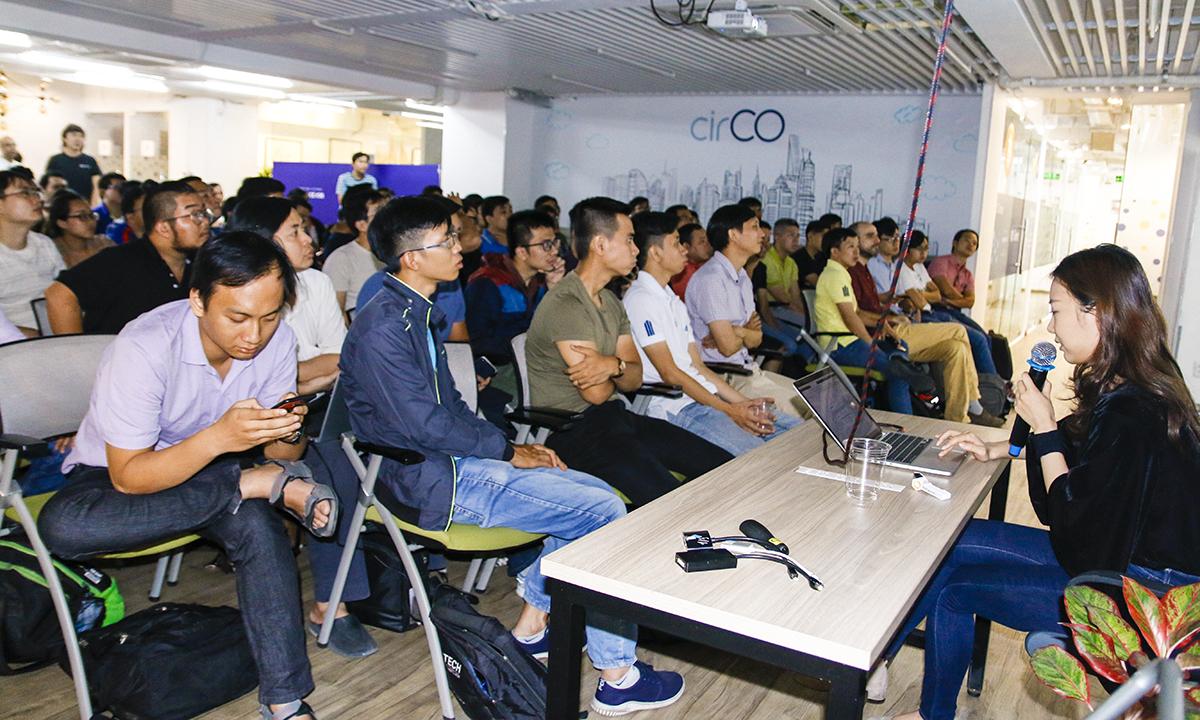 Chương trình bao gồm các hội thảo để giới thiệu về AWS DevOps, phương pháp lập trình từ AWS với SDKs, Containerisation & DevOps, xây dựng ứng dụng web hiện đại với Fargate & Python/ Fargate &.Net Core 2.1.