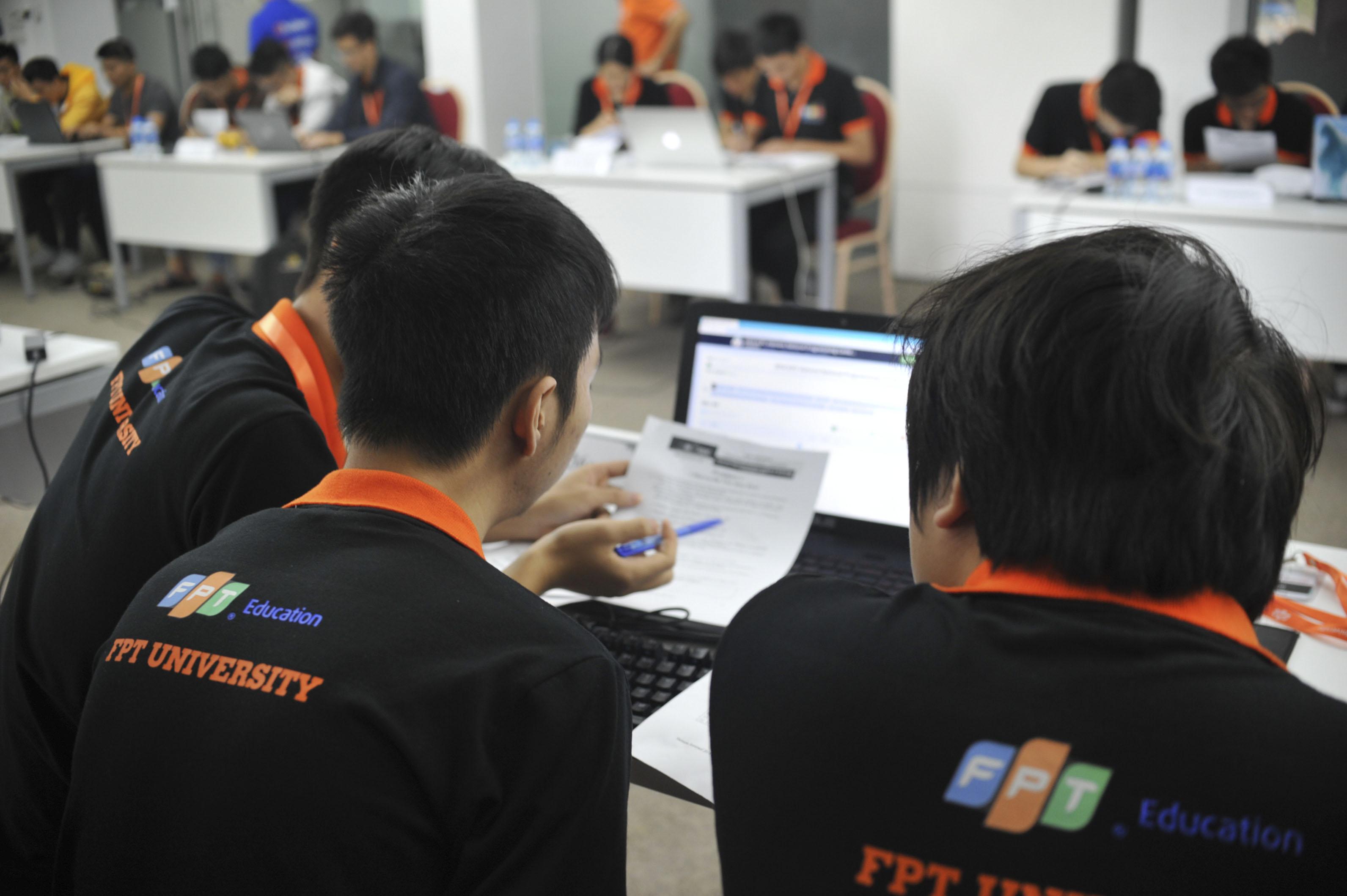 ACM/ICPC là cuộc thi lập trình sinh viên quy mô quốc tế, hằng năm quy tụ những đội tuyển sinh viên xuất sắc trên toàn thế giới tham gia tranh tài trong các nội dung lập trình.
