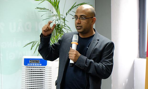 Kỹ sư giải pháp Parijat Mishra của AWS trình bày vềContainerisation & DevOps, xây dựng ứng dụng web hiện đại với Fargate & Python/ Fargate &.Net Core 2.1.