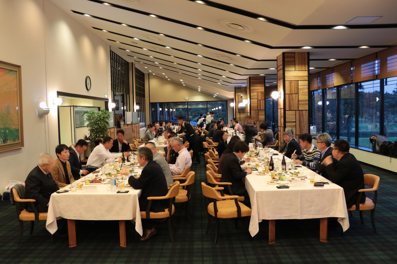 Kết thúc giải golf, ban lãnh đạo FPT Japan cùng các khách hàng dùng tiệc tối tại nhà hàngtrong Câu lạc bộ Golf Thái Bình Dương. Đây cũng là dịp để FPT Japan tri ân khách hàng, đối tác đã gắn bó trong suốt hơn một thập kỷ qua.