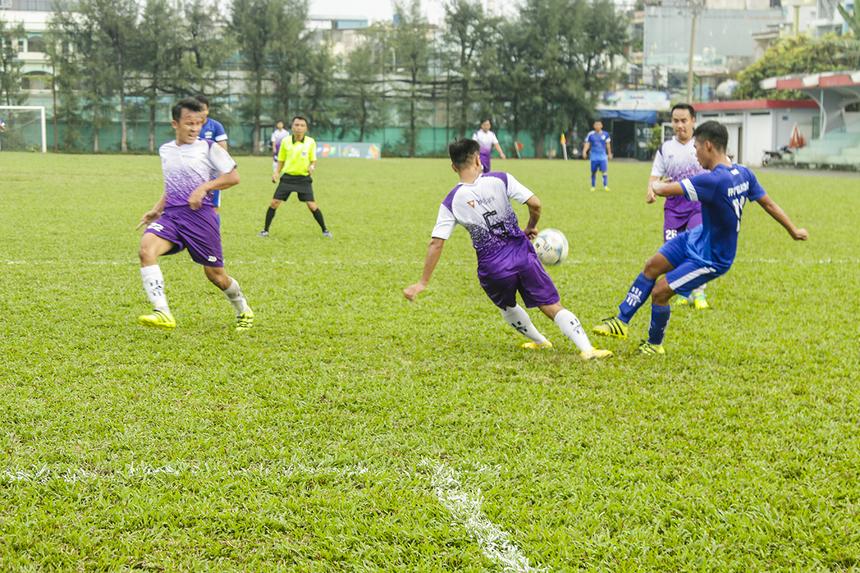 Những phút còn lại của hiệp đấu thứ nhất, FPT Telecom vẫn miệt mài tấn công nhưng họ không thể ghi thêm bàn thắng nào. Hiệp một khép lại với lợi thế 3 bàn dẫn trước thuộc về các cầu thủ Viễn thông.