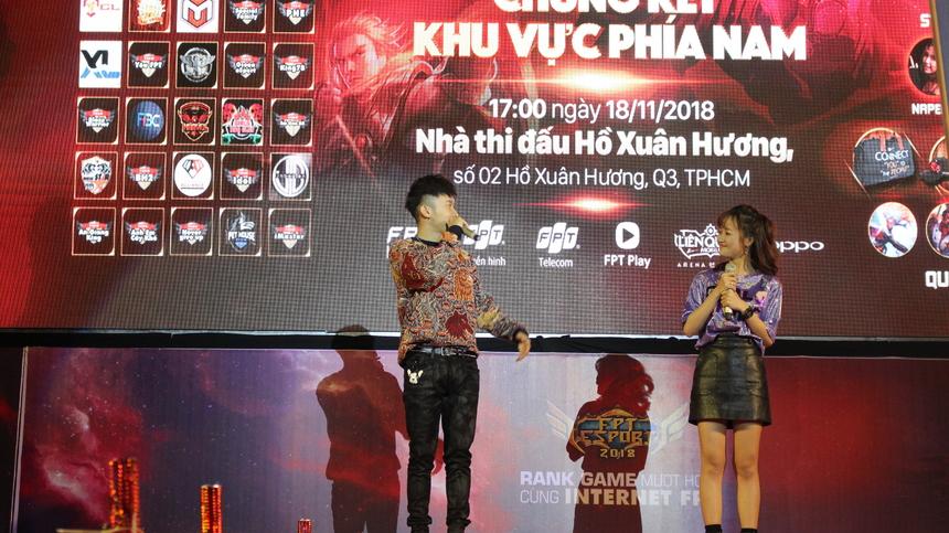 Màn song tấu của cặp đôi hoàn hảo Kay Trần và Thảo Phạm đã lên dây cót cho toàn bộ các khán giả cũng như các game thủ trước khi trận chung kết diễn ra.