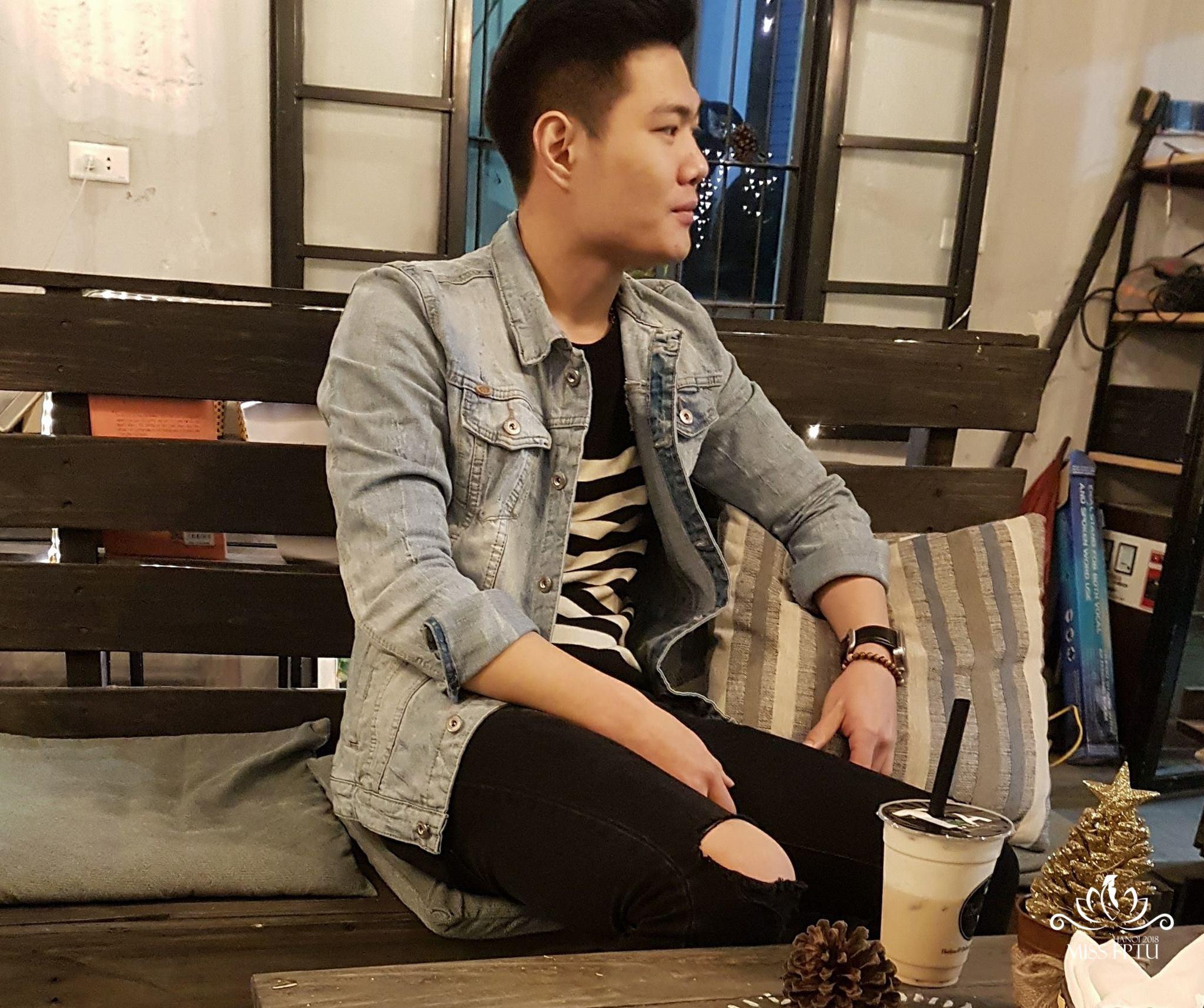 """Nguyễn Đình Công (1995); Chiều cao: 1m73 Sở trường: Bóng đá, Guitar """"Mình đến với cuộc thi vì được thử sức và làm quen với nhiều bạn mới""""."""