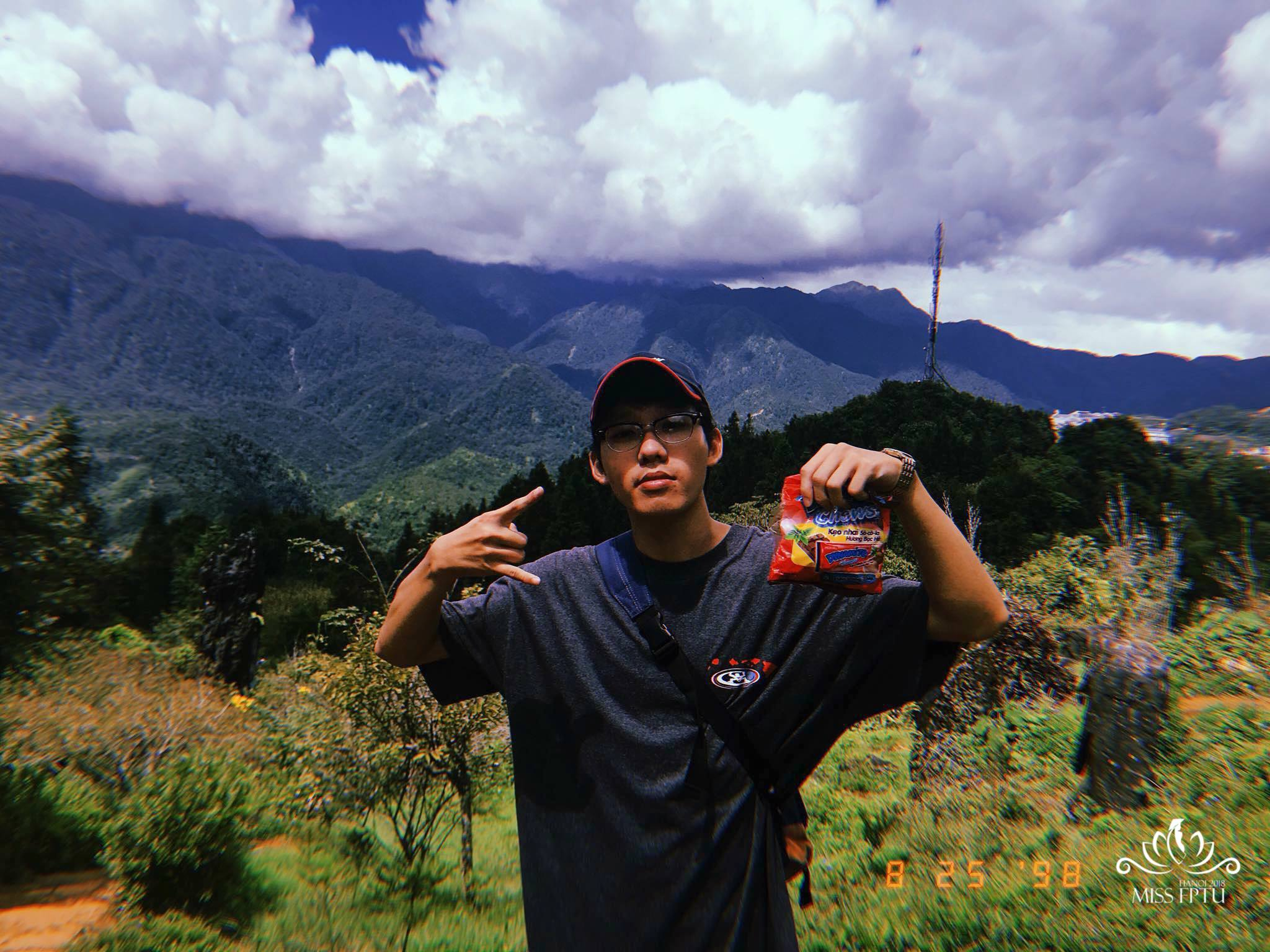 """Nguyễn Nhật Nam (1997); Chiều cao: 1m68 Sở trường: Nhảy và vẽ Graffiti """"Mình đến với chương trình vì muốn được trải nghiệm những điều mới mẻ""""."""