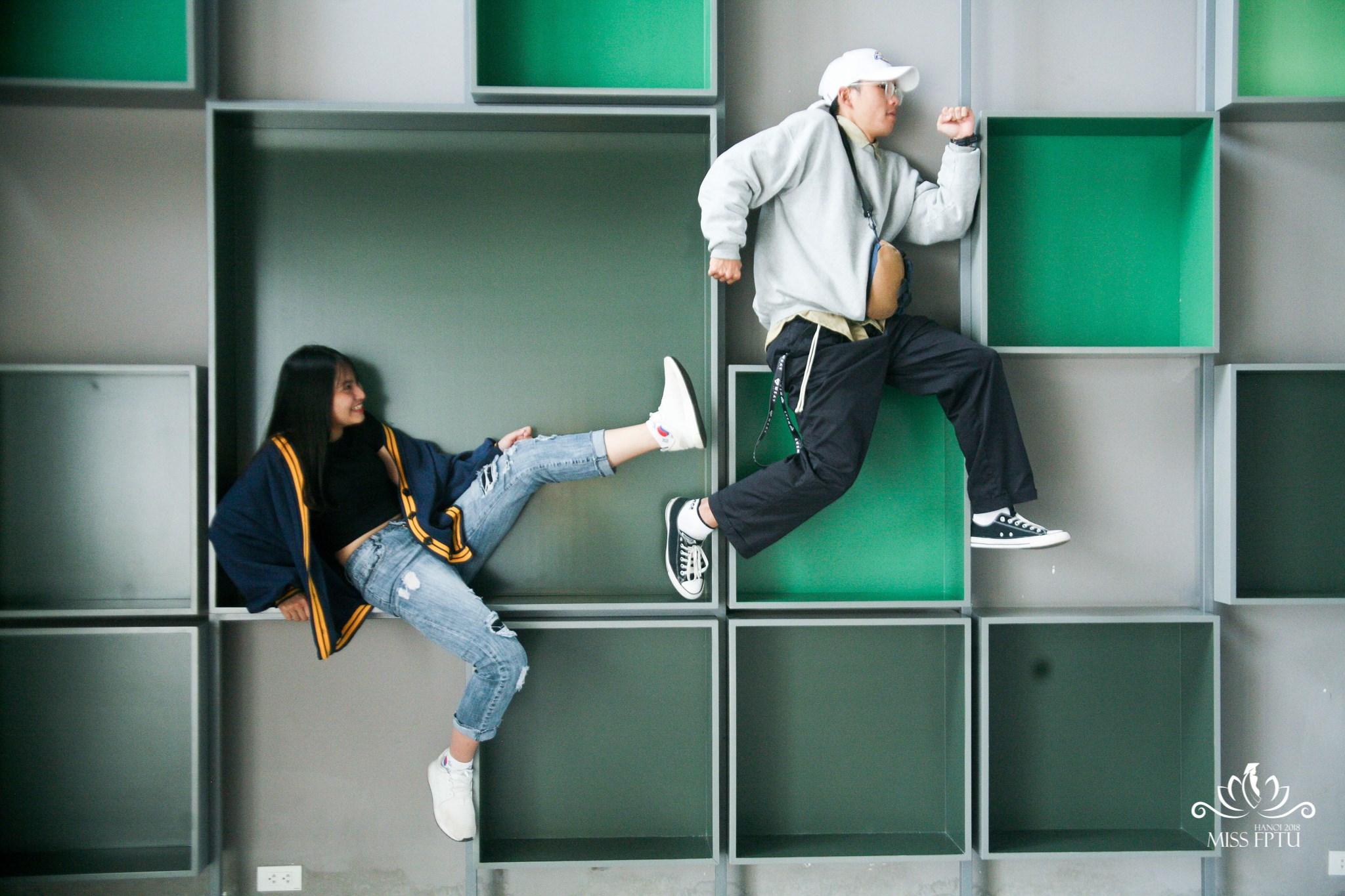 """Trần Thảo Yến - Nguyễn Nhật Nam Concept: """"Nhảy cùng em, anh có dám?"""" Lấy ý tưởng từ bộ phim """"Bước nhảy xì tin"""", Nhật Nam và Thảo Yến không chỉ mang đến cho khán giả hình ảnh về những bước nhảy linh hoạt mà còn là cuộc sống thu nhỏ của giới hip-hop tại Đại học FPT. Ở đó, người xem có thể thấy hình ảnh quậy phá xen lẫn tình yêu trong sáng của tuổi trẻ."""