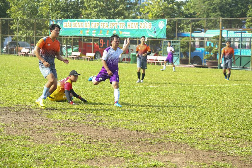 Bước sang hiệp hai, hai đội dù chơi chậm lại nên không có nhiều bàn thắng được ghi như trong hiệp đấu đầu tiên. Tuy nhiên, TPBank vẫn dễ dàng có thêm 3 bàn thắng nữa ở các phút 48, 55 và 56.