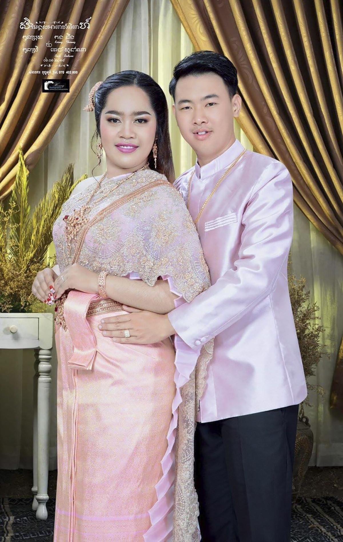 Cả hai đều là người bản địa Campuchia. Việc có chồng/vợ là đồng nghiệp theo anh chị là một lợi thế, cơ hội để hai người có thể hiểu và thông cảm cho công việc của nhau hơn. Sau hơn 5 năm đóng quân tại xứ sở Chùa Tháp, FPT Telecom Campuchia là nhà mạng cố định lớn nhất với sự hiện diện tại thủ đô Phnom Penh và 8 tỉnh lớn: Kandal, Sihanoukville, Battambang, Banteay Meanchey, Siem Reap, Kampong Thom, Kampong Cham. Trong những năm qua, đơn vị luôn ổn định về tốc độ phát triển, khả năng mở rộng hạ tầng mạng lưới và tinh thần của đội ngũ Opennet.