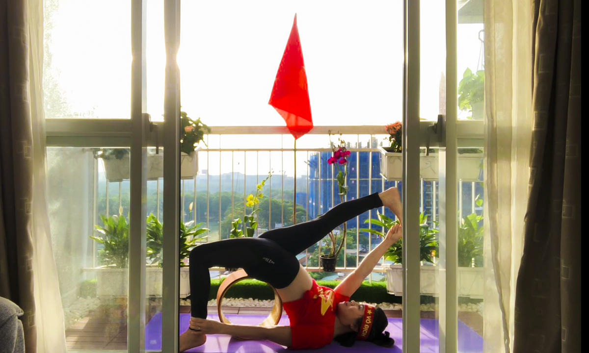 Chị Cao Hoài Thương yêu thích và luyện tập Yoga đã 2 năm.