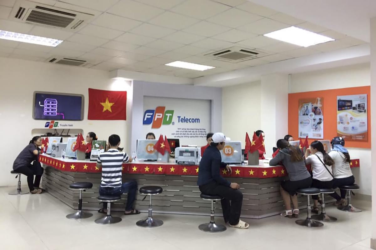 Mặc dù không gian không giống như mọi khi nhưng khách hàng vẫn không cảm thấy bất ngờ, bởi ai cũng chung niềm tự hào dân tộc khi U23 Việt Nam lên ngôi vô địch tại AFF Cup lần này.