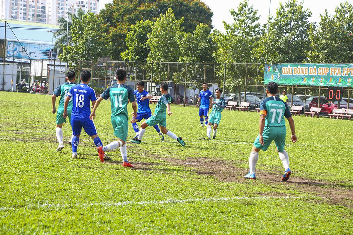 Giải bóng đá FFA Cup HCM khép lại với màn so tài hấp dẫn giữa hai đội bóng đang cạnh tranh những vị trí cao nhất trên bảng xếp hạng là FPT Telecom và FPT IS. Mặc dù được đánh giá cao hơn nhưng Viễn thông vẫn tỏ ra rất thận trọng trước đối thủ truyền kiếp.