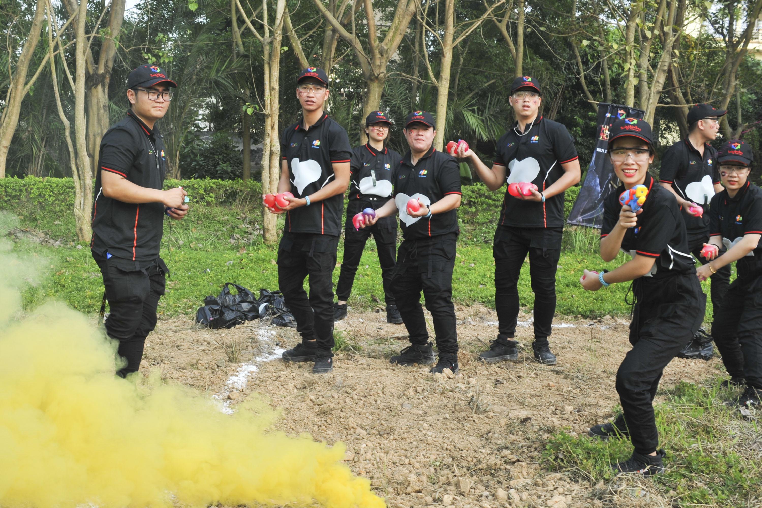 Sau vòng 1, các đội trở về vùng cận chiến. Vì một sự cố từ chương trình nên tiểu đội 1 vẫn còn nguyên vẹn các thành viên để chuẩn bị chiến đấu trong vòng 2. Lực lượng áp đảo này khiến các đội còn lại phải dè chừng.