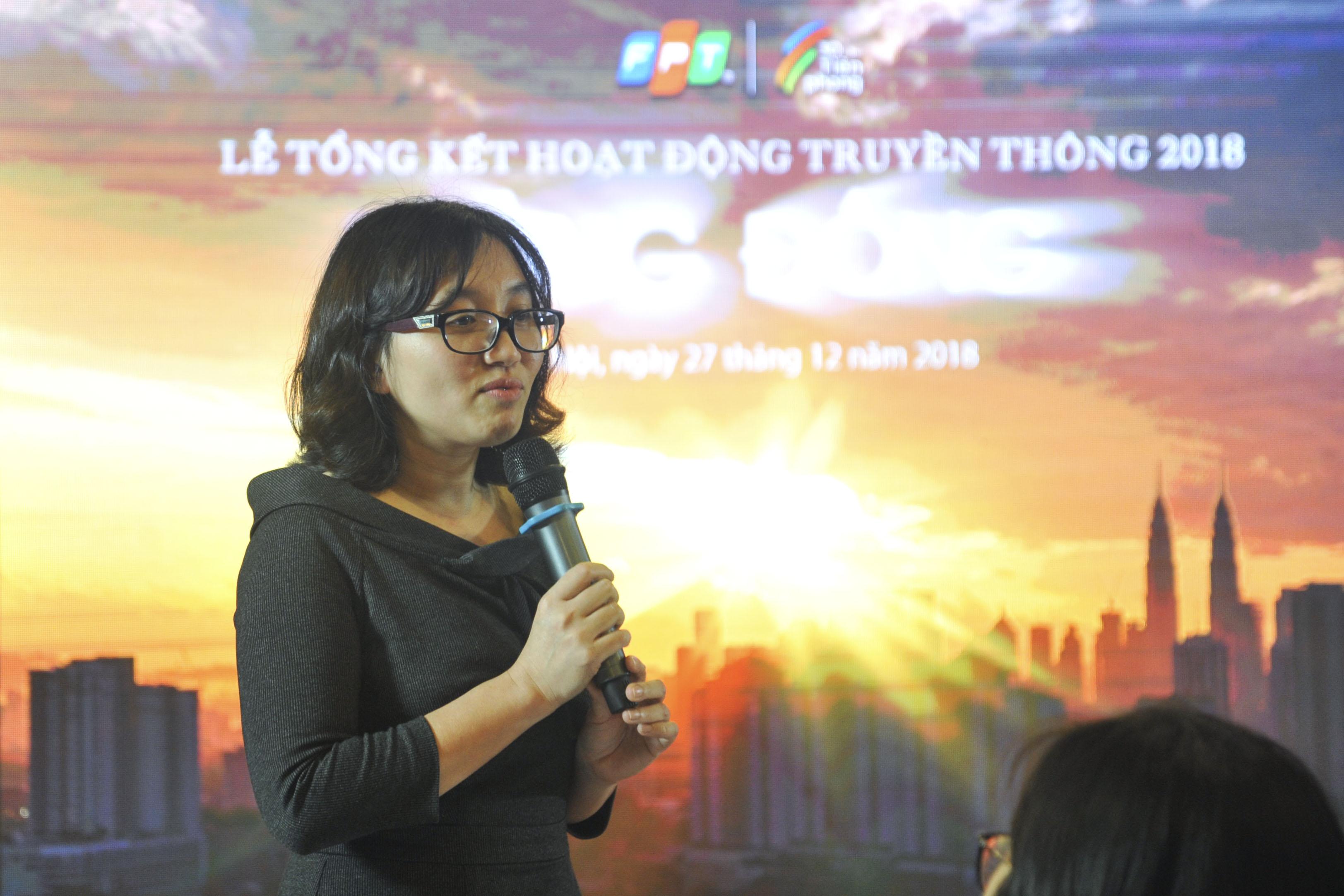 """Lấy chủ đề """"Hừng Đông"""", chị Bùi Nguyễn Phương Châu - Trưởng Ban Truyền thông FPT cho biết năm 2019 sẽ là một năm bình mình, là một tín hiệu mới tốt đẹp cho truyền thông nói riêng và tập đoàn nói chung."""