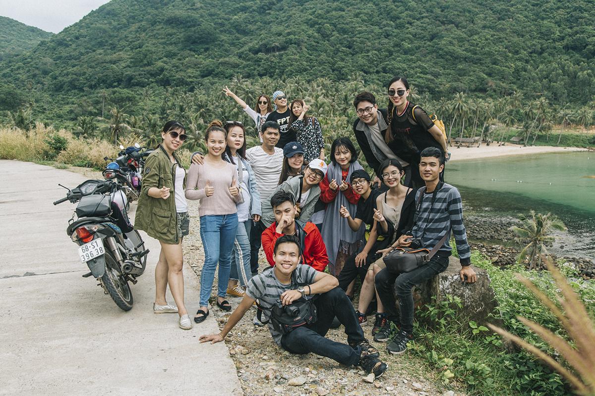 17 thành viên của gia đình Ban Văn hóa - Đoàn thể (FUN) phía Nam đã cùng nhau tham gia Ngày hội Văn hóa dành cho các cán bộ Văn hóa - Đoàn thể trong hai ngày 24-25/12 tại quần đảo Nam Du (huyện Kiên Hải, tỉnh Kiên Giang).