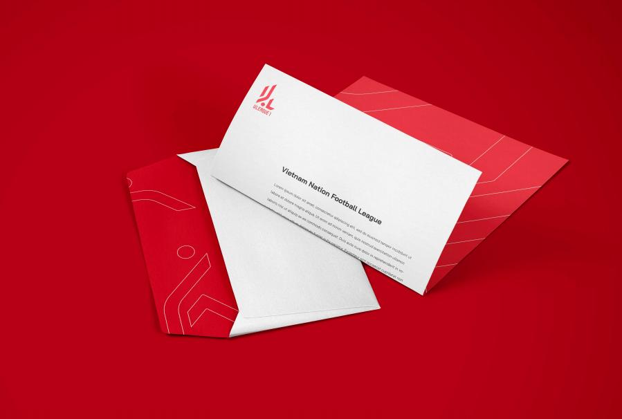 Bì thư và các bưu thiếp đều sử dụng hai màu đỏ - trắng (màu áo của đội tuyển Việt Nam).