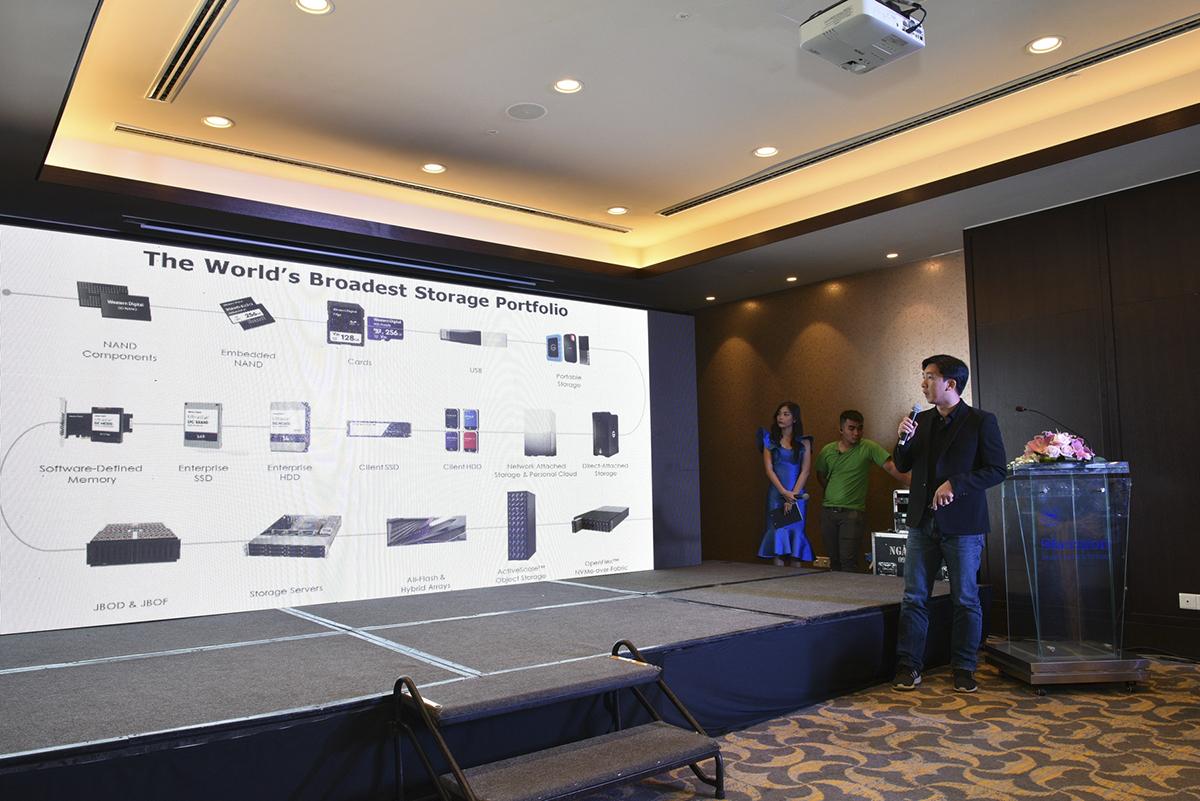 Synnex FPT sẽ là nhà phân phối các giải pháp lưu trữ tiêu dùng, từ ổ cứng HDD gắn trong cho Desktop, ổ cứng HDD di động, ô cứng gắn trong SSD đến các giải pháp lưu trữ doanh nghiệp được thiết kế để phục vụ cho các hệ thống trung tâm dữ liệu.