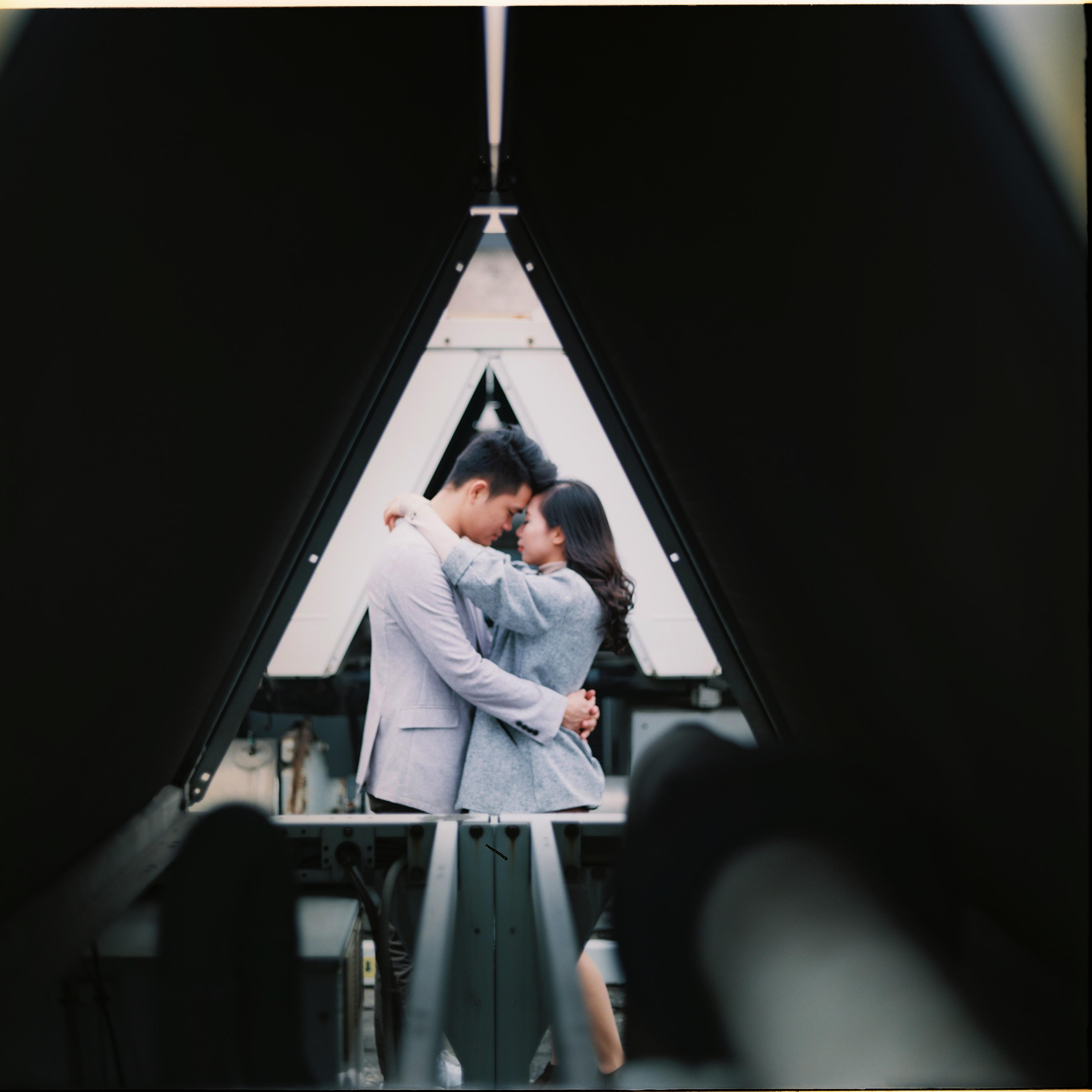 """""""Mỗi góc nhỏ tại tòa nhà 17 Duy Tân, Cầu Giấy, đều lưu giữ những kỷ niệm đẹp nhất trong 5 năm yêu nhau"""", Linh chia sẻ."""