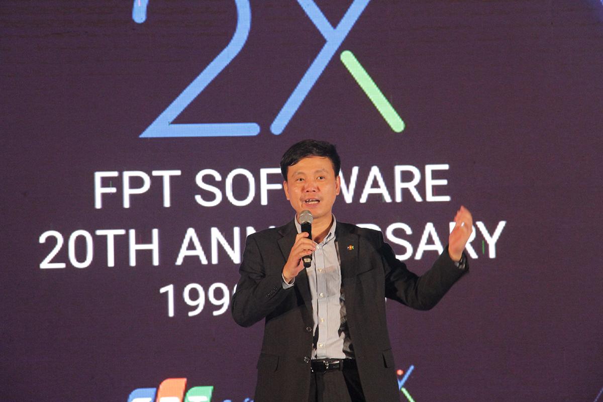 """""""Nhân dịp 20 năm, chúng ta hướng tới một giấc mơ và hy vọng tất cả cùng chia sẻ. Đó là giấc mơ đưa FPT Software trở thành công ty tỷ đô có đẳng cấp thế giới"""", CEO FPT Software Phạm Minh Tuấn, nói và cho biết giấc mơ đó được thể hiện qua ba yếu tố chính: năng suất; những tài năng nhất phải hội tụ và gắn bó lâu dài; những khách hàng và hợp đồng đẳng cấp thế giới... """"Tôi cho rằng tận lực sẽ tạo ra được kỳ diệu. Rất mong tất cả thành viên Đà Nẵng cùng chung tay, tận lực để đưa FPT Software trở thành công ty tỷ đô và đẳng cấp thế giới"""", anh đúc kết."""