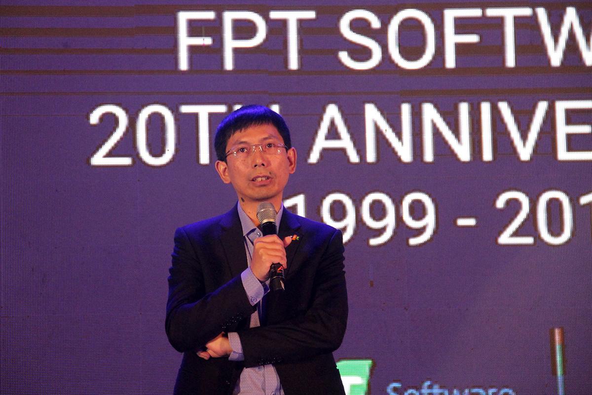 """Chủ tịch FPT Software Đà Nẵng Nguyễn Tuấn Phương khẳng định đơn vị đã trải qua một năm thành công trong việc phát triển nguồn nhân lực, duy trì tốc độ tăng trưởng, mở rộng khách hàng, và đặc biệt khởi công xây dựng giai đoạn 2 tòa nhà FPT Complex. """"Đà Nẵng tiếp tục mở rộng các lĩnh vực công nghệ, chú trọng vào công tác tuyển dụng và xây dựng cơ sở hạ tầng. FPT Software Đà Nẵng sắp bước sang tuổi 15, nên tôi kỳ vọng một cơ ngơi hoành tráng"""", anh nói."""