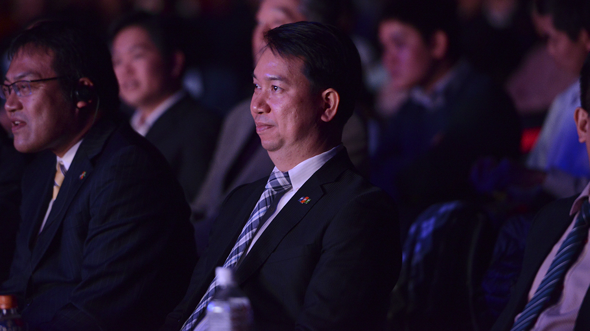 """""""FPT cờ đến tay Vương phất cao lên Ta thắng luôn không Hòa"""" Người FPT Japan tràn đầy niềm tin sẽ chinh phục những miền đất mới, tiến đến đẳng cấp thế giới."""