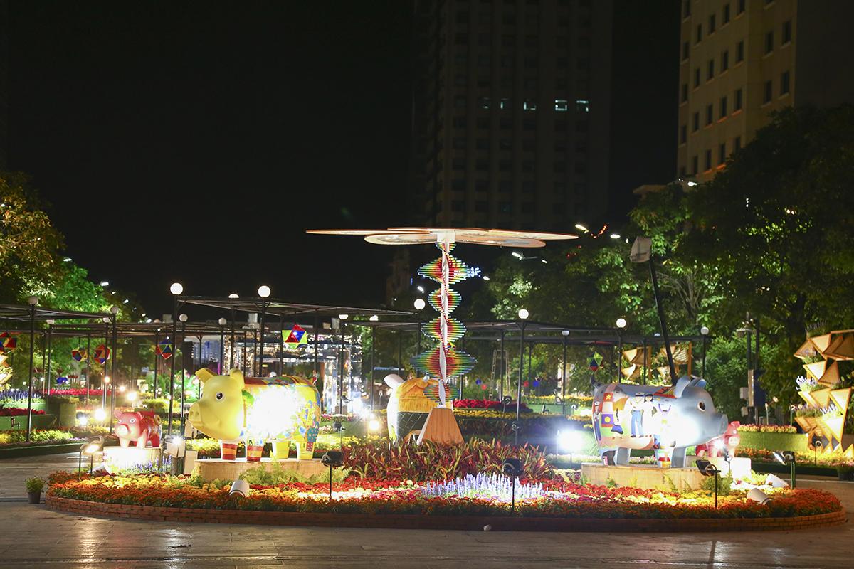 Đường hoa có 3 phân đoạn chính: Thành phố nghĩa tình giàu bản sắc, Thành phố thông minh (Thành phố của tương lai) và Đô thị sáng tạo.