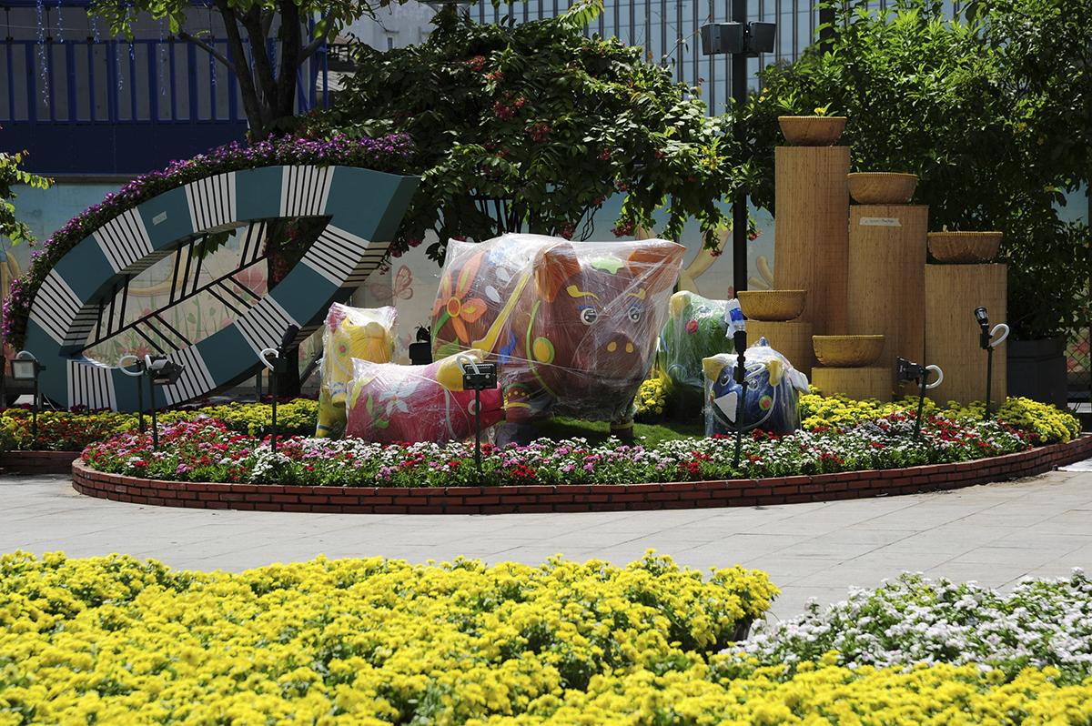 Đường hoa Nguyễn Huệ Tết Kỷ Hợi 2019 bắt đầu từ ngày 2/2/2019 (28 Tháng Chạp) đến ngày 8/2/2019 (Mùng 4 Tết). Đây là lần thứ 16 liên tiếp đường hoa được tổ chức (bắt đầu từ năm 2004) nhằm đón chào Tết Nguyên đán cổ truyền dân tộc tại TP HCM.