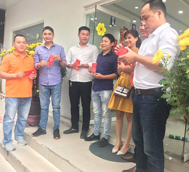 Viễn thông FPT chi nhánh Huế, Đăk Lăk, Kon Tum, Quảng Nam, Quảng Bình... đồng loạt tổ chức gặp mặt. Đây cũng là cách để người FPT hướng tới năm 2019 thành công.