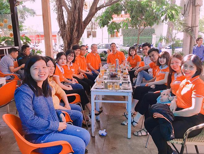 FPT Polytechnic cơ sở Tây Nguyên tổ chức họp mặt đầu năm bên ly cà phê.