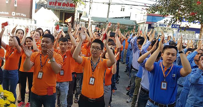 Anh Đào Thanh Vũ, GĐ FPT Telecom Gia Lai, gửi những lời chúc tốt đẹp nhất đến toàn thể CBNV cùng bao lì xì đầu năm.