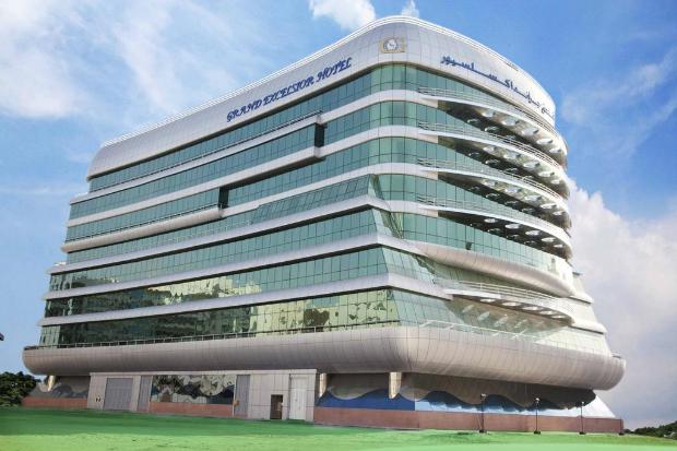 Khách sạn 4 saoGrand Excelsior Al Barsha là nơi đoàn nghỉ dưỡng và tham gia đêm Gala tôn vinh Top 100 FPT 2018.