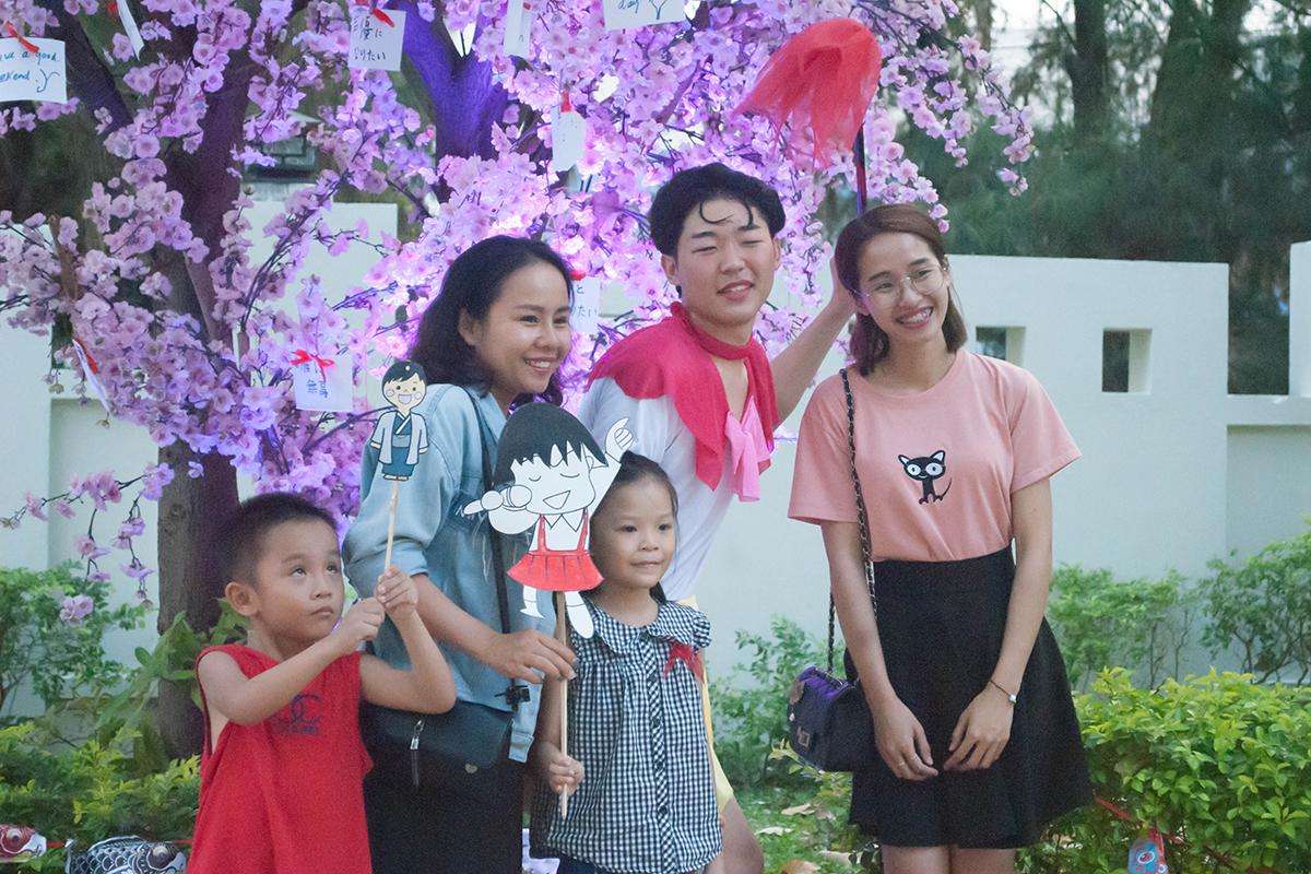 Ngày 3/3, Trung tâm Trao đổi sinh viên quốc tế (FISEC thuộc ĐH FPT) đã tổ chức Ngày hội văn hóa Nhật Bản tại tòa nhà Massda, TP Đà Nẵng. Chương trình có sự tham gia của 80 sinh viên đến từ 4 trường đại học Nhật Bản gồm: Bunkyo, Kyutech, Hosei và Shinshu.