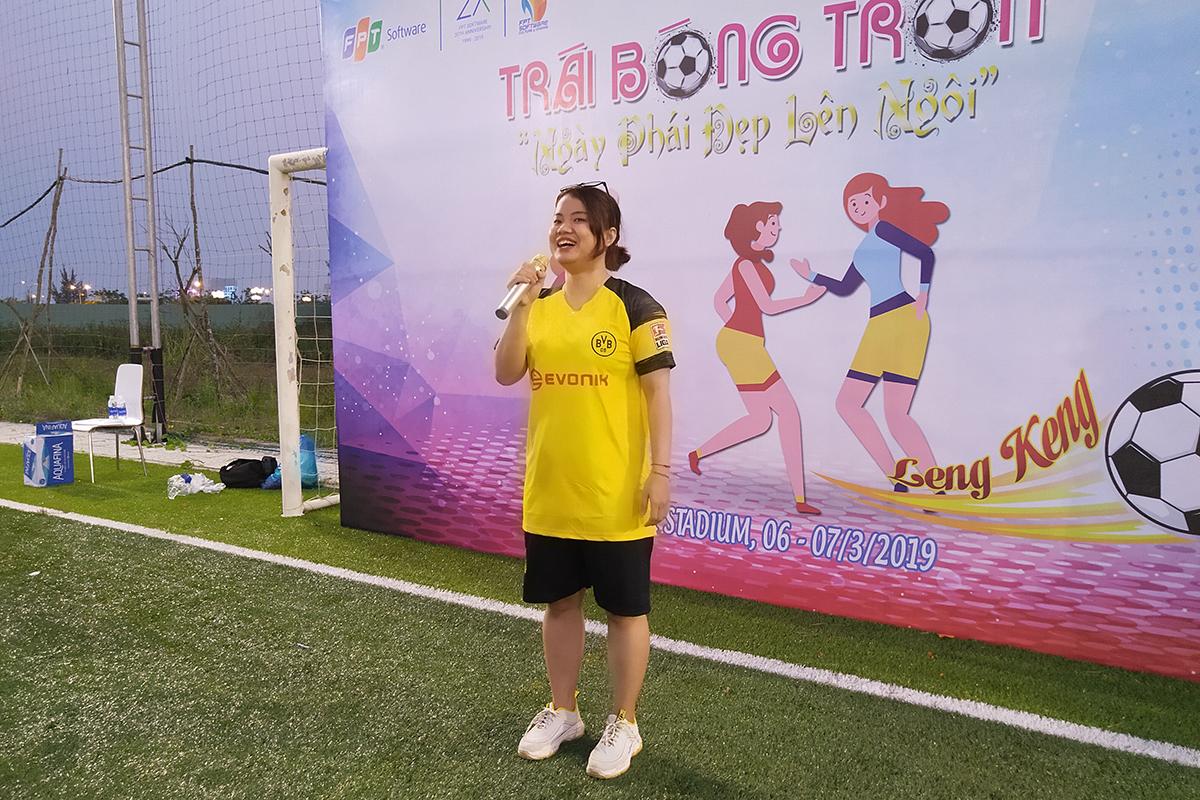 Cầu thủ Minh Diệu, đội bóng FGC, thực hiện nghi thức tuyên thệ và gửi lời chúc đến giải đấu. Chị cam kết cùng các đồng nghiệp tạo ra một giải đấu thành công về mặt chuyên môn cùng tinh thần thể thao cao thượng.