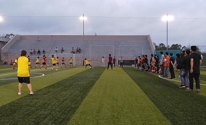 Ở trận bán kết 1, SSG và FGC đã tạo ra trận đấu hấp dẫn và kịch tính cho đến những giây cuối cùng. Nhưng may mắn và nỗ lực đã giúp FGC đánh bại SSG với tỷ số 1-0. Bàn thắng duy nhất được các cô gái FGC ghi được ở phút thứ 7 của trận đấu.