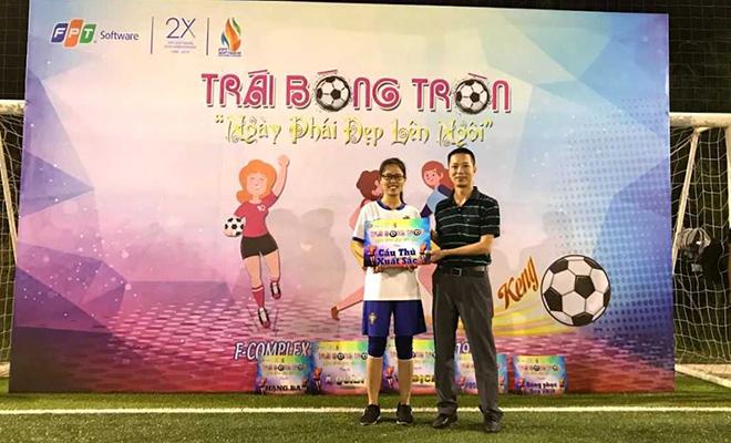 Cầu thủ xuất sắc nhất giải bóng đá nữ FPT Software Đà Nẵng thuộc về cầu thủ Tạ Thị Nga, đội R7. Đây là cầu thủ có đóng góp quan trọng vào chức vô địch của đội R7.