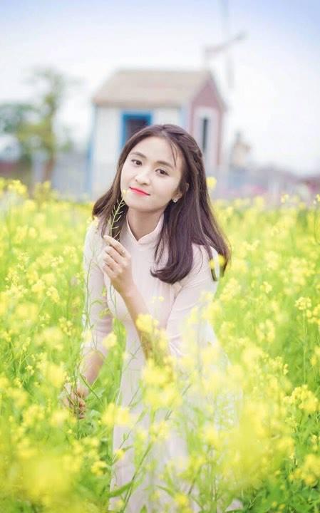 """Lê Thị Hà (FHN.JITS)ưa thích câu nói: """"Chúng ta đã sống những ngày tuổi trẻ, đời đẹp như một đóa hoa dù mai sau sẽ có lúc tàn phai thì cũng đã từng rực rỡ""""."""
