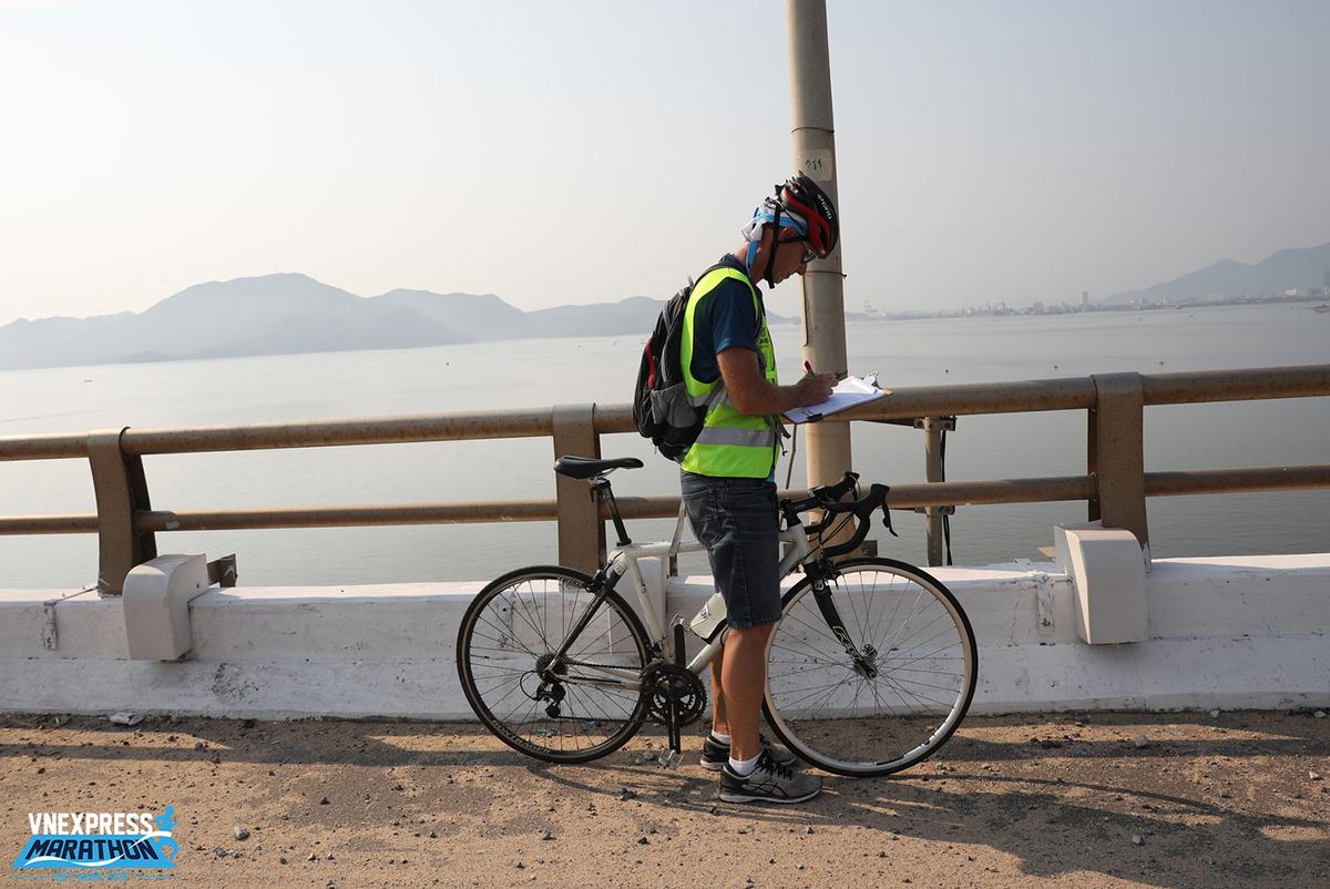 Trong quá trình đo, chiếc xe đạp được hiệu chỉnh thường xuyên, tương thích với sự thay đổi nhiệt độ, để từ đó, đảm bảo độ chính xác cao nhất.