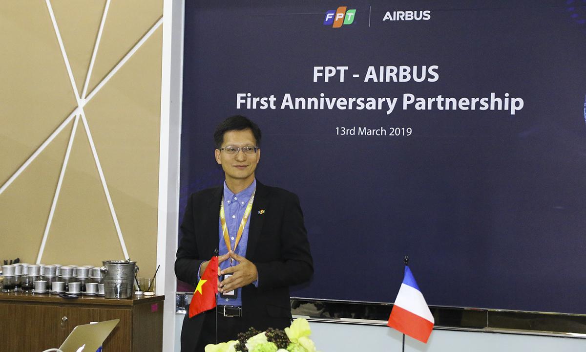"""""""Từ con số 0, đội dự án Skywise của chúng tôi đã có gần 60 người"""", anhĐào Duy Cườngvà cho biết FPT Software đặt mục tiêu trong năm nay sẽ đào tạo thêm 200 kỹ sư. """"Trong năm tới, chúng tôi đặt mục tiêu có khoảng 500 kỹ sư Skywise. Chúng tôi mong muốn sẽ mở rộng hợp tác chiến lược trong các chương trình chuyển đổi số chiến lược của Airbus""""."""