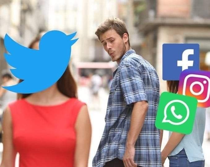 Ảnh chế mô tả tâm trạng của người dùng mạng xã hội lúc này, khi bỏ qua tất cả dịch vụ của Facebook để hướng về Twitter.