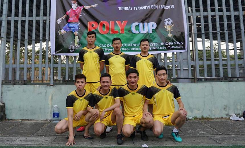 Ngày 17/3, FPT Polytechnic Đà Nẵng đã khai mạc giải bóng đá sinh viên với sự tham gia của 15 đội bóng tại sân Đại học Thể dục Thể thao, 44 Dũng Sĩ Thanh Khê.