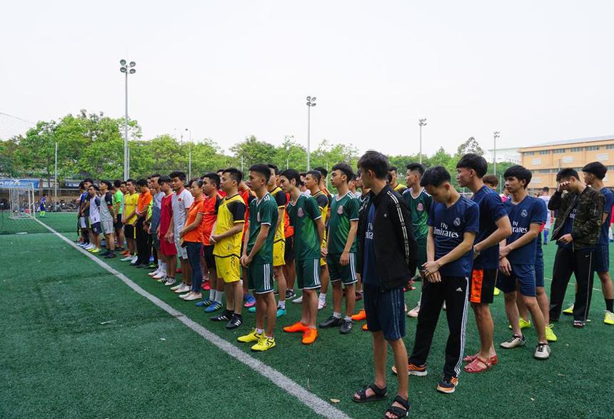 15 đội được chia làm 4 bảng: A, B, C và D. Các đội thi đấu theo thể thức vòng tròn một lượt tính điểm để chọn ra hai đại diện ưu tú nhất từ mỗi bảng vào thi đấu vòng tứ kết, bán kết và tranh ngôi vô địch.