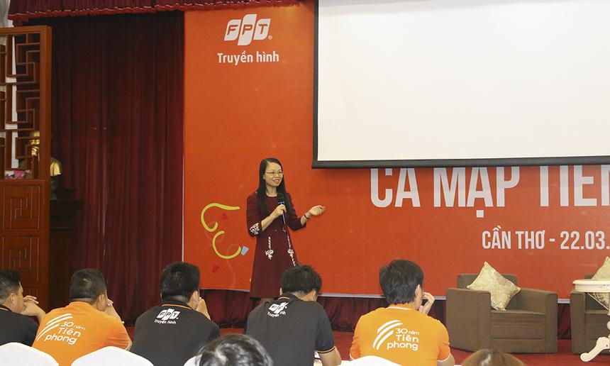 Mở đầu, chị Chu Thanh Hà chia sẻ về lịch sử hình thành và phát triển của FPT Telecom. Theo đó, FPT Telecom thành lập 31/1/1997. Trải qua 22 năm hình thành và phát triển, FPT Telecom đã có nhiều dấu mốc quan trọng.