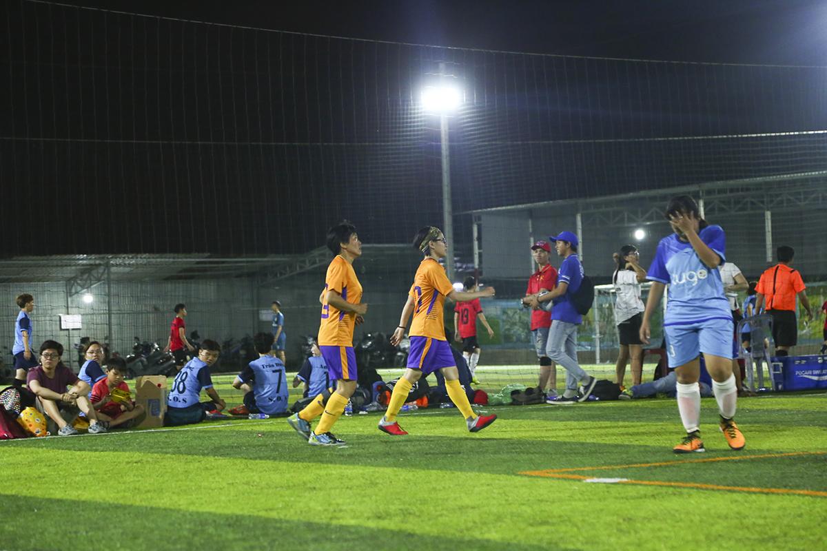Toàn thắng 4 trận từ vòng bảng đến bán kết, đội bóng nữ đã tiến thẳng một mạch vào chung kết. Trận đấu cuối cùng tranh chức vô địch của giải APG mở rộng giữa FFE và ISportz sẽ diễn ra vào chiều 31/3.
